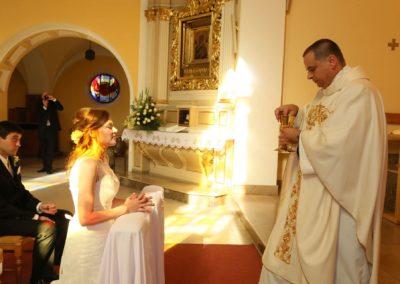 AGMA-STUDIO-Agnieszka-Meissner-fotografia-ślubna-ceremonia-kościół-USC-25